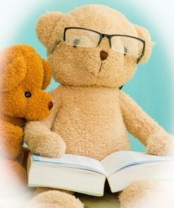 Teddy Bear Reading A Book For Story Time Spanish – Oso Pardo (Brown Bear) onlilne course taught by Renai Ruiz on luma learn
