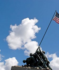 Iwo Jima Memorial Statue studied in US history online course