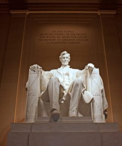 Lincoln memorial studied in US history online course on luma learn