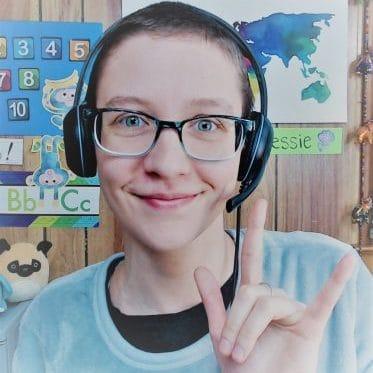 luma learn online course sign language teacher Jessie Hughes
